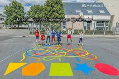 Fun Summer Games for Kids to Play Outdoors – Sidewalk Chalk – Summer Activities for Kids – Grandcrafter – DIY Christmas Ideas ♥ Homes Decoration Ideas Outside Activities For Kids, Outside Games, Summer Activities For Kids, Games For Kids, Summer Games, Preschool Playground, Playground Games, Preschool Games, Playground Painting