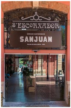 180GRADSALON: Mercado Gastronomico San Juan - Der neue kulinarische Hotspot mitten im Herzen von Palma de Mallorca im alten Schlachthof s'Escorxador