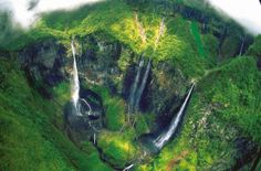 The Iron Hole (Bras de Caverne River) [Réunion Island, France]