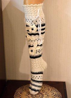 Ylipolven villasukat Crochet Socks Pattern, Crochet Shoes, Crochet Slippers, Crochet Stitches, Knit Crochet, Wool Socks, Knitting Socks, Hand Knitting, Knitting Patterns