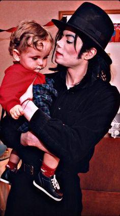 Michael Jackson Wallpaper, Michael Jackson Smile, Mj Kids, King Of My Heart, Neverland, Peter Pan, Love Of My Life, Wallpapers, Pop