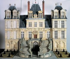 Fontainebleau by Mulvany and Rogers. The Royal Château de Fontainebleau is a large palace where the kings of France took their ease. It is also the site where the French royal court, from 1528 onwards, entertained the body of new ideas that became known as the Renaissance.