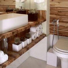 Uso de madeira em banheiro de luxo                                                                                                                                                                                 Mais