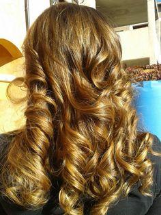 Spotted...in salone! Oro tra i capelli... #cdj #degradejoelle #tagliopuntearia #degradé #dettaglidistile #welovecdj #clientefelice #beautifulhair #naturalshades #hair #hairstyle #hairstyles #haircolour #haircut #fashion #longhair #style #hairfashion