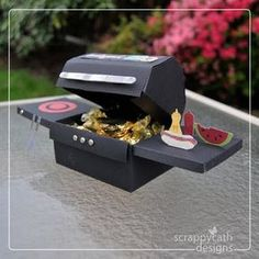 Mini BBQ papercraft! SO cute!! Good idea for a homemade father's day gift. Customize how ever you want!