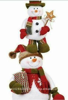 Blog voltado à artesanato em geral. Primitive Christmas, Country Christmas, Christmas Snowman, Christmas Stockings, Christmas Ornaments, Felt Christmas Decorations, Christmas Fabric, Snowman Crafts, Christmas Crafts