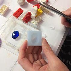 Sam has had fun making a silicone mould #resinclass #resin8 #clarejohn