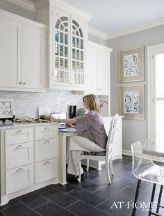 dark grey floor tile in kitchen?