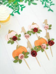 Halloween 1st Birthdays, Pumpkin Birthday Parties, First Birthday Cupcakes, Pumpkin 1st Birthdays, Pumpkin First Birthday, Minnie Birthday, Fall Birthday, Girl First Birthday, First Birthday Parties