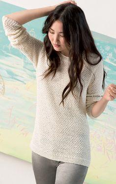 Breien met Knotje.nl Deze trui is gemaakt met LANG Yarns Lino. Een luxe garen van 100% gewassen linnen.  Door de manier waarop het linnen is vervlochten ontstaat een bandgaren dat mooi stevig is.  Dit garen heeft een prachtige natuurlijke glans en is zacht, licht en luchtig.  Model en patroon staan in het patronenboek FaM 242 Collection. (model 16)