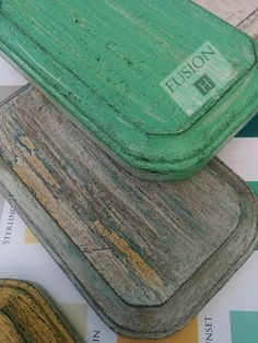 Featuring wet distressing and antiquing gilding paste #gildingwax #gildingpaste | Fusion Mineral Paint
