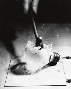 Harold Edgerton  Death of a light bulb, c1936