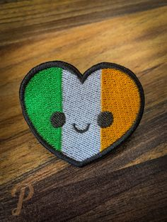 Irish heart patch // ornament Monster Hunter, Two Kinds Of People, Cosplay, Satin Stitch, Different Colors, Patches, Handmade Items, Etsy, Ornaments