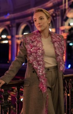 Watch the promo and see 25 photos from the Killing Eve Season 3 finale Jodie Comer, Satin Gown, Vintage Skirt, Beautiful People, Cool Style, Celebrity Style, Cool Outfits, Style Inspiration, Outfits