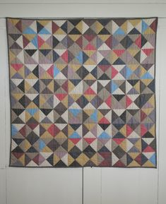 Your little one will always feel safe and sound if you lay them on this baby quilt pattern. Use the classic hourglass quilt block design, this @purl bee pattern, and some warm colors to make anywhere feel like home for your baby.