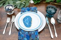 Agate Tablescape – styled an shared by Rae Marshall on Swoon