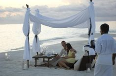 Conrad Maldives Rangali Island Resort How romantic! Maldives Luxury Resorts, Maldives Honeymoon, Maldives Resort, Honeymoon Destinations, Resort Spa, Honeymoon Ideas, Luxury Tents, Luxury Camping, Glam Camping