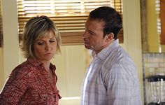 Linda (Amy Carlson) and Danny (Donnie Wahlberg) on Blue Bloods from the episode . Donnie And Jenny, Amy Carlson, Blue Bloods Tv Show, Donnie Wahlberg, Great Tv Shows, It Goes On, Short Cuts, Personal Photo, New Hair