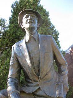 Bing Crosby Statue, Gonzaga University, Spokane WA