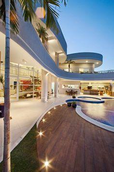 Casa Flora: Casas modernas por Arquiteto Aquiles Nícolas Kílaris #fachadasmodernas