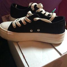 Black platform sneakers Very gently worn ! Shoes Sneakers