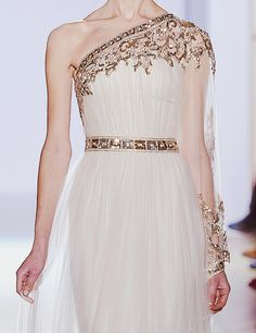 curlymoroccan:  jolsette:  Zuhair Murad Spring 2013 Haute Couture Details [5/5]  oh my god is she wearing perfection