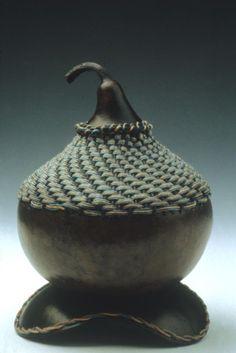 Basket Weave 4 x Marla Helton Gourd Crafts, Decorative Gourds, Weaving Projects, Gourd Art, Weaving Techniques, Ancient Art, Artist At Work, Basket Weaving, Carving