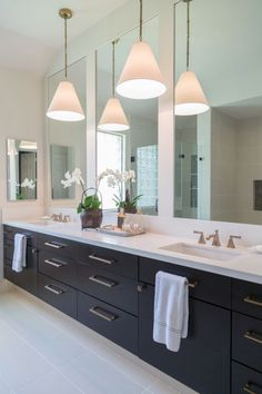 Modern master bathroom renovation ideas 51