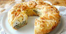 La torta pasqualina è un classico tra le torte salate, perfetta per la Pasquetta e per qualsiasi scampagnata con cesto da picnic abbondante e appetitoso.