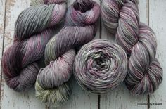 Hand dyed Merino yarnWorsted weightColors: Grey, Green, Purple, Black 3.5 oz DETAILS218 yards 4 ply Gauge 4.5-5 sts/in, Needle size recommended: US 6-9There are 4 skeins in this dye lot available, please purchase enough for your project.***This is a repeatable colorway, if you would prefer it on a different fiber or yarn base, please message me for a custom quote.***I dye all my fiber using professional acid dyes in my smoke and pet free home.Care...