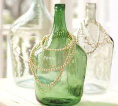 des bouteilles en verre décoratives pour des bijoux