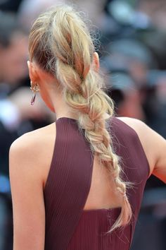"""Blake Lively in Gucci Première and Lorraine Schwartz jewels - Cannes 2014: """"Grace of Monaco"""" Premiere #hair #braid"""
