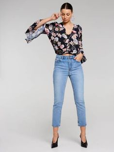When it comes to chic women's shirts and blouses—from floaty to tailored styles—Portmans sets the benchmark. Knot Front Top, Shirt Blouses, Shirts, Ruffle Sleeve, Capri Pants, Chic, Jeans, Stuff To Buy, Tops