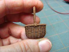 Muebles Dollhouse miniatura - Tutoriales | minis 1 pulgada: Cómo hacer una cesta tejida a partir de hilos de ganchillo