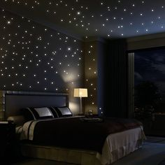 Glow in the dark bedroom #black #interior #design #star #sky