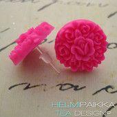 Pinkit kukkakimput 10€ #tappikorvikset #nappikorvikset #korvakorutaivas #korvisparatiisi #värikkäitäkorvakoruja #väriäkevääseen