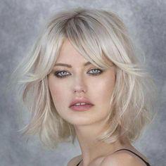 18 Best Short Dark Hair Color Ideas of 2019 - Style My Hairs Blonde Bob With Bangs, Brown Blonde Hair, Medium Hair Styles, Short Hair Styles, Messy Bob Hairstyles, Haircuts, Layered Hair, Fall Hair, Short Hair Cuts