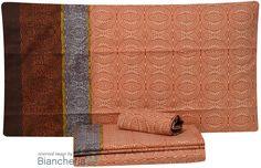 Prezioso tessuto di puro cotone americano. Altissima qualità di stampa con coloranti solidi che mantengono la brillantezza dei colori inalterata nel tempo. Biancheria Zucchi - Bassetti #Lenzuola #Copripiumini #Trapunte #Asciugamani #Accappatoio. www.biancheria24.it