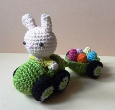 Best FREE Easter Crochet Patterns including Easter Eggs, Bunny, Baskets & More! Create gifts, toys, dolls, home decor and more with these great patterns.