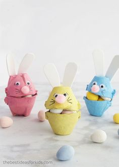 ▷ 1001 + creative ideas for Easter crafts with children-▷ 1001 + kreative Ideen zum Thema Osterbasteln mit Kindern Make colorful Easter bunnies out of egg carton yourself, fill with small candies, Easter gifts for children - Kids Crafts, Bunny Crafts, Crafts For Kids To Make, Easter Crafts, Easter Art, Easter Decor, Easter Centerpiece, Jar Crafts, Easter Gifts For Kids