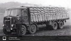 Vintage Trucks, Old Trucks, Old Lorries, Commercial Vehicle, Classic Trucks, Good Old, Diesel, Cool Photos, Transportation