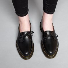 Dr Martens Core Siano 1-Eye Black Flat Shoes