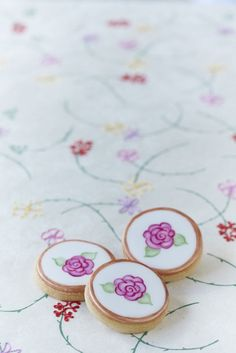 #CakeDecorating Floral #Cookies ~ love these for a bridal shower.