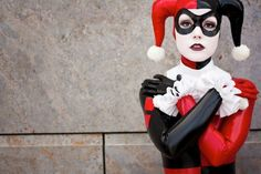 If only I had a girl or gf that would be willing to go with me to MegaCon or Comic-Con as Harley Quinn and I would be the joker... lol