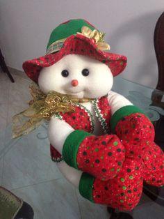 Snowman ⛄️❄️ Snowmen, Erika, Elf, Santa, Holiday Decor, Christmas, Home Decor, Papa Noel, Diy