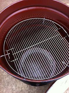 The Cheezer's random thoughts: Ugly Drum Smoker Barrel Bbq, Barrel Smoker, Uds Smoker, Build A Smoker, Ugly Drum Smoker, Fire Basket, 55 Gallon Drum, Exterior Paint, Pretty Good