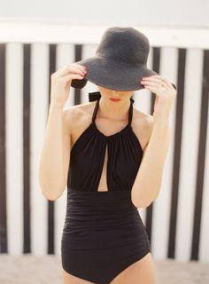 Swimwear & Beachwear for Women : Picture Description* Looks Street Style, Looks Style, Look Fashion, Fashion Beauty, Womens Fashion, Style Outfits, Cute Outfits, Mein Style, 50 Style