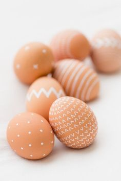 EASTER Grab a non-toxic white paint pen, a bowl of naturally brown eggs and go to town with delicate patterns that are adorable and kind of chic. Seen on Kaley Ann.