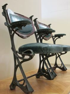Armchairs made by Hector Guimard for the concert hall Humbert de Romans in Paris, built between 1898 and 1901 and destroyed between 1904 and 1907 - Musée d'Orsay, Paris Architecture Art Nouveau, Art Nouveau Interior, Design Art Nouveau, Art Nouveau Furniture, Antique Furniture, Mykonos, Jugendstil Design, Back Art, Victorian Art