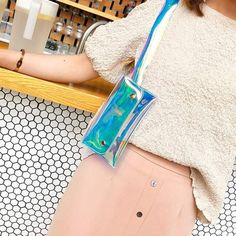 Holographic purse, transparent bag Holographic Purse, Gold Backpacks, Transparent Bag, Queen Fashion, Female Friends, Unisex, Blue Bags, Backpack Bags, Fanny Pack